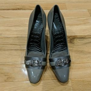 Gucci Gray Patent Leather Pumps